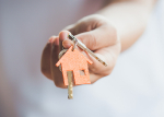 Nová pravidla hypoték: Střední třída dosáhne na bydlení hůře, spekulantům změna nahraje