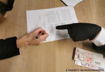 Platový výměr vás může připravit o tisíce. Plat si sjednejte přímo v pracovní smlouvě.