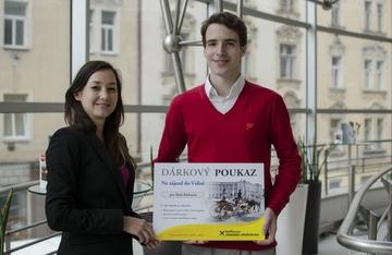 Voucher se zájezdem do Rakouska v soutěži s Raiffeisen stavební spořitelnou a naším serverem předán vítězi